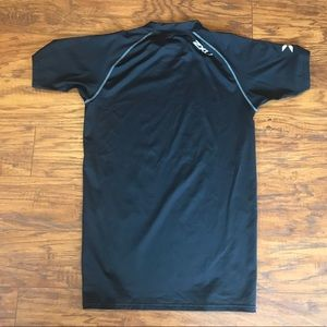 2xu Shirts - 2xu Compression Short Sleeve Top